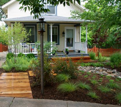 - Coastal Cottage/Lush Life Landscape Design Associates